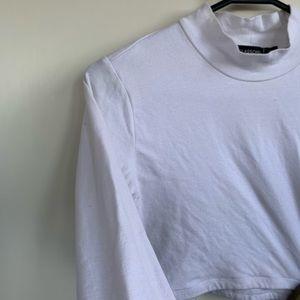 3/4 sleeves / white turtle neck crop